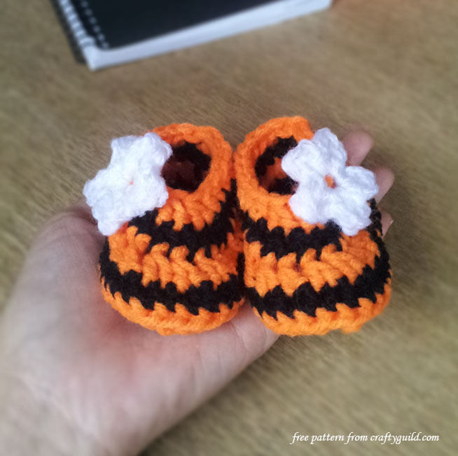 How to Crochet Halloween Newborn Baby Booties
