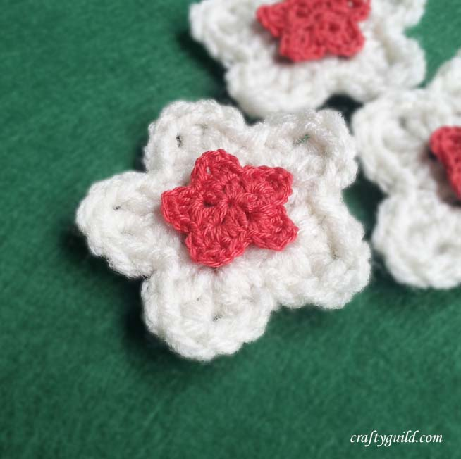 How to Crochet a Five Petal Flower / Star Flower