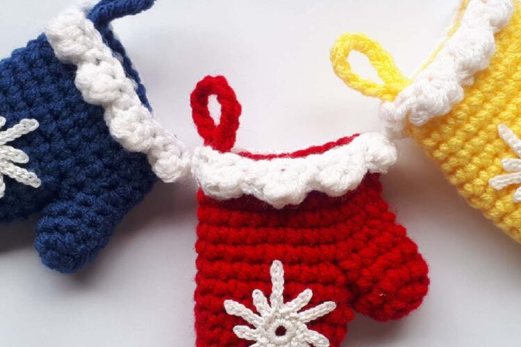 Christmas Mitten Ornaments Free Crochet Pattern